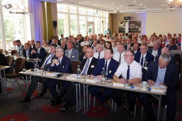 Die Mitglieder beschlossen auf ihrem Jahrestreffen die Auflösung des Vereinsstaus der WIR.