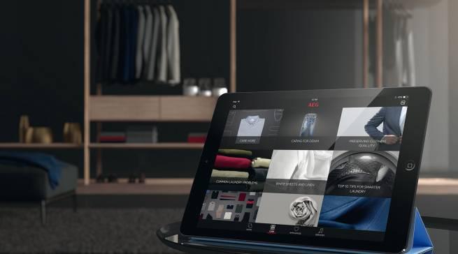 Wie viel Wärme verträgt der Wollpulli, darf eine Seidenbluse in die Waschtrommel? Die Wäschepflege übernimmt die App.