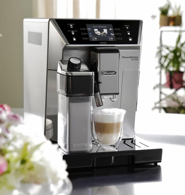 De'Longhi Kaffeemaschine PrimaDonna Class mit Bluetooth-Funktion.