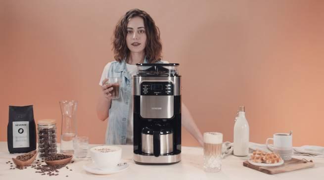 Neu zur IFA von Severin: Programmierbarer Kaffeeautomat KA 4812 mit Mahlwerk und Edelstahl-Thermoskanne.
