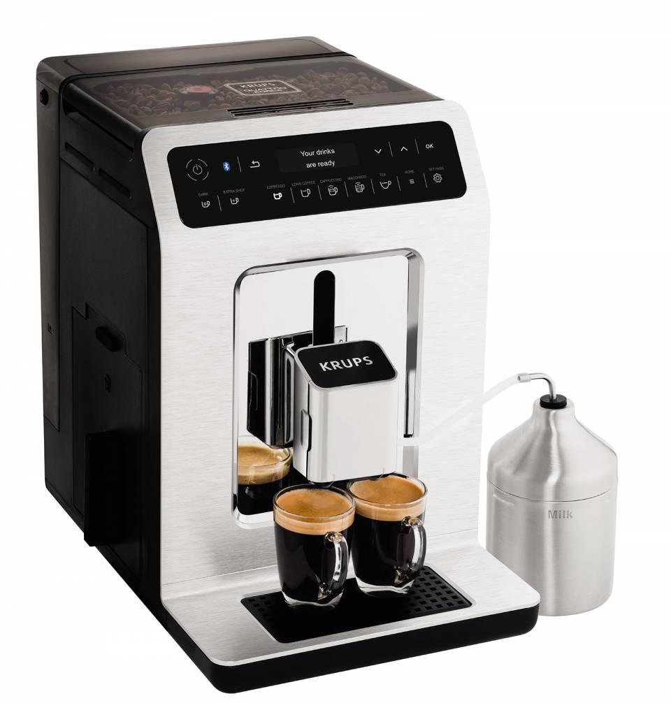 Krups hat den Profis über die Schulter geschaut und das Zusammenspiel der vier für die Kaffeezubereitung entscheidenden Faktoren mit der Barista-Quattro-Force-Technologie optimiert.