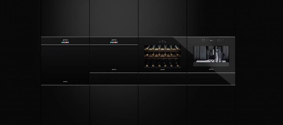 Hell-Dunkel-Kontraste prägen die Produktlinie Dolce Stil Novo von Smeg.