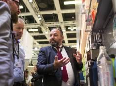 Roland Herrmann (M.), Geschäftsführer von mySodapop, zieht ein positives IFA-Fazit.
