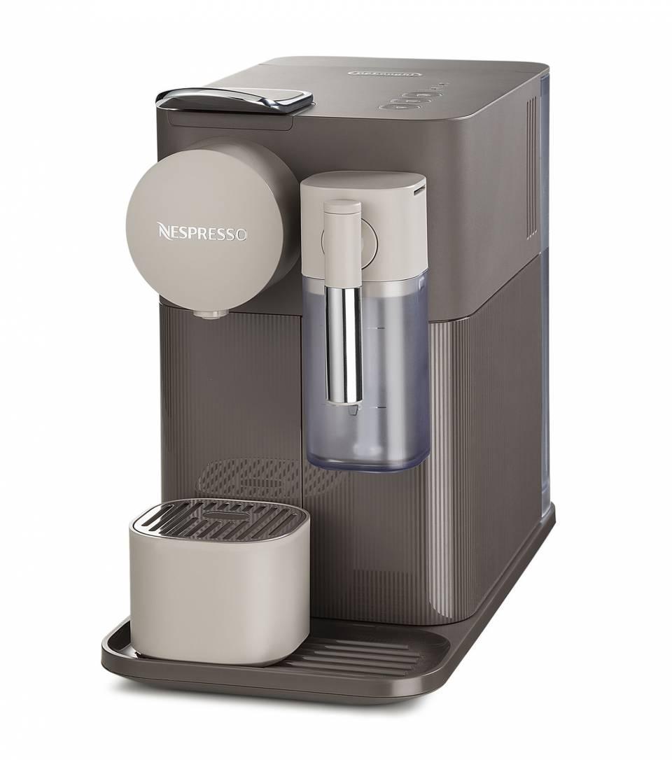 Die De'Longhi Kaffeemaschine Nespresso Lattissima One in Braun