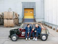 Das Dyson Elektroauto soll 2020 kommen, sieht aber sicherlich anders aus: Jake und James Dyson (re.).