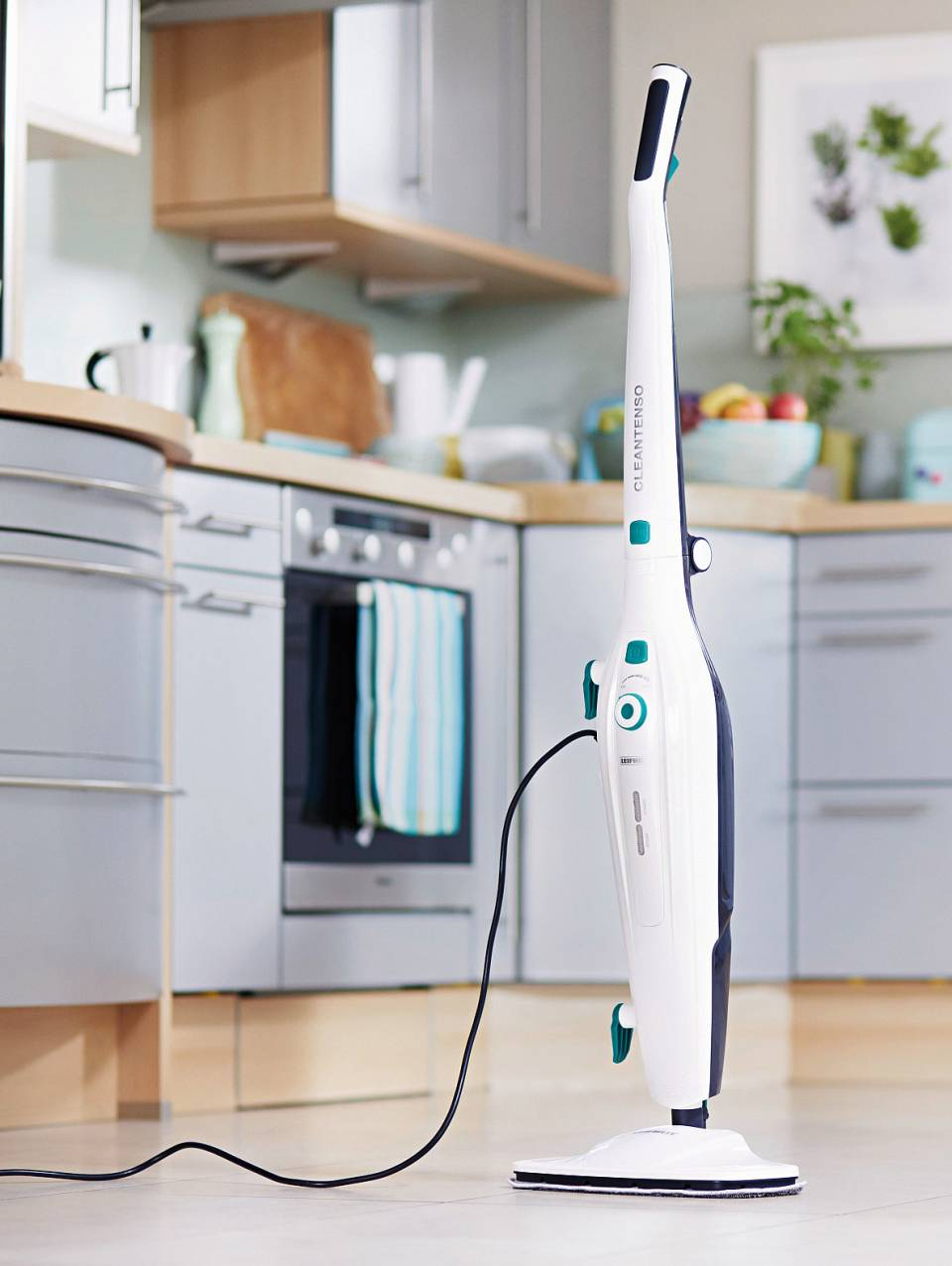 Leifheit Dampfreiniger CleanTenso mit austauschbarem Mikrofaser-Wischpad.