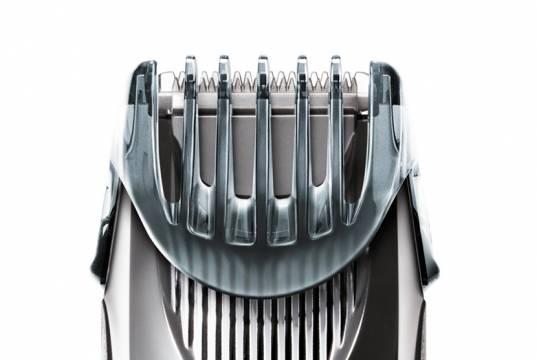 Panasonic Bartschneider ER-SB60 mit 19 Längeneinstellungen.