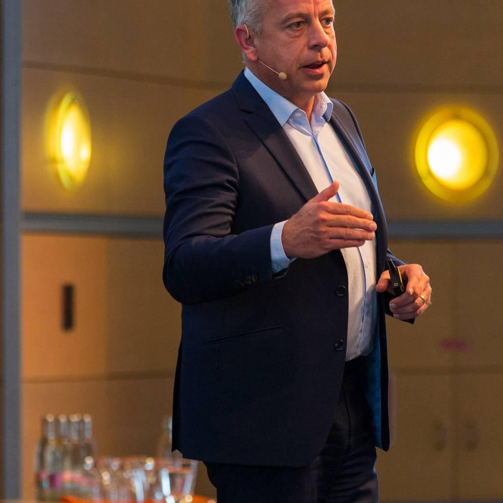 Dietmar Bauer, Geschäftsbereichsleiter Marketing, sprach über die 360-Grad-Kampagnen.