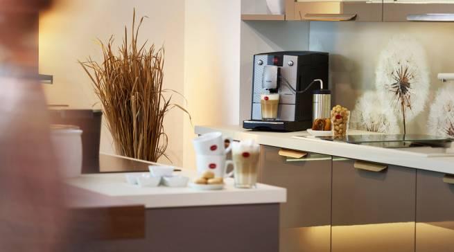 Macht im Barista-Check den besten Cappuccino: CafeRomatica 768 von Nivona.