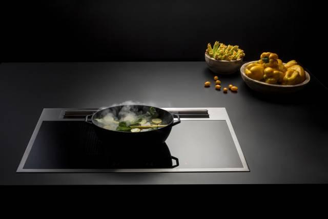 Das falmec Kochfeld mit Muldenlüfter Sintesi 90 Plus