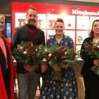 Unser Foto zeigt v.l.n.r.: Nicole Thiery (Market Leader KitchenAid Deutschland, Österreich), Claus Tormöhlen (Head of Buying Home & Living, KaDeWe), Enie van de Meiklokjes und Jana Brüssow (Area Sales Managerin Home & Living, KaDeWe).