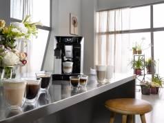 Bereitet einen vollmundigen Kaffee mit sehr guter Crema und einem perfekten Milchschaum zu: PrimaDonna Class von De'Longhi.