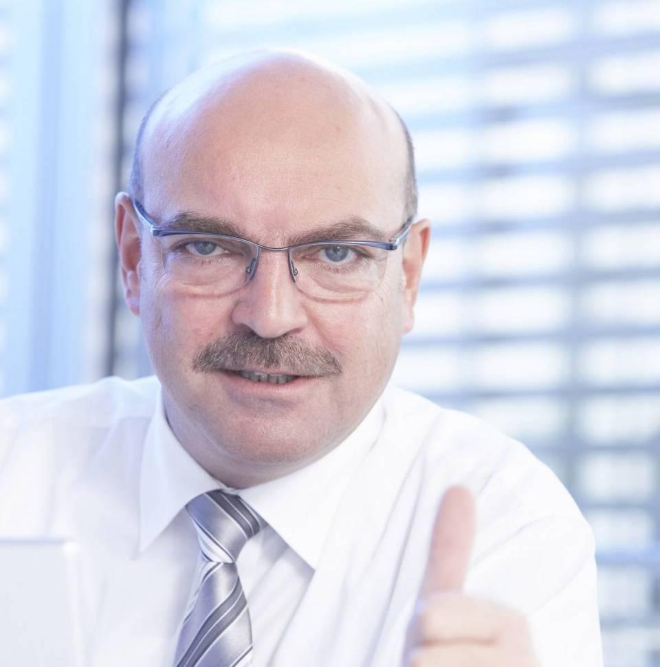 Franz Schnur kritisiert den unfairen Wettbewerb zwischen stationärem Fachhandel und Pure-Playern im Internet.