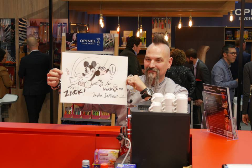 Ralf Jakumeit von Rocking Chefs war am Stand von Unold in richtig guter Stimmung.