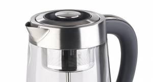 Rosenstein & Söhne Wasserkocher WSK-450 bereitet Tee mit Dampf.