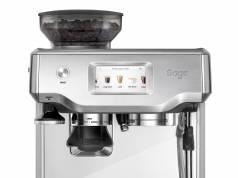 Sage Espresso-Maschine Barista Touch mit Kaffeespezialitäten-Menü.