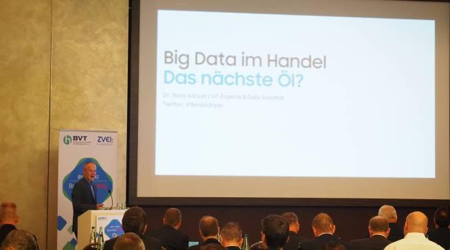 """Ist """"Big Data das nächste Öl?"""" fragte Dr. Boris Adryan."""