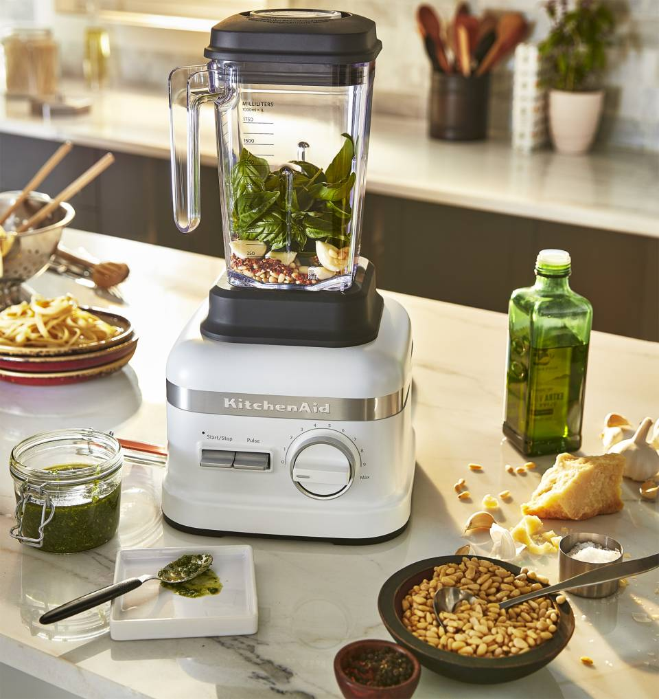 KitchenAid Blender High Performance mit 4D-Messer.