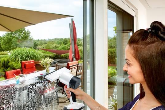 Severin Fenstersauger SC 714 hygenius glass Li 25 mit Sprühflasche mit Mikrofaserpad.