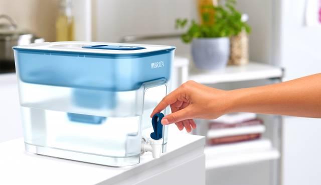 Brita Wasserfilter fill&enjoy Flow mit 8,2 Liter Fassungsvermögen.