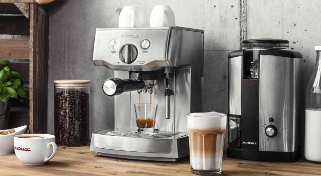 Gastroback Espressomaschine Design Espresso Pro mit E.S.E. Pad-Einsatz.