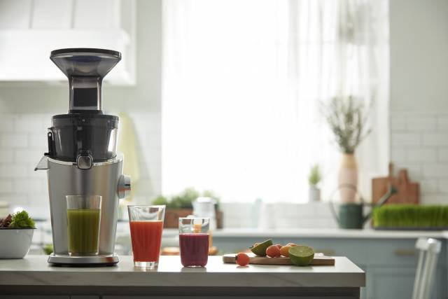 Hurom Slow Juicer H100 mit Slow Squeezing Technology.