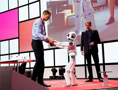 Mensch und/oder Maschine: Aufklärung im IFA-Think-Tank IFA+ Summit.