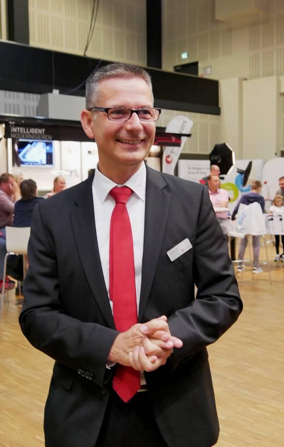 """""""Wir haben Oberkante Unterlippe, was die Aufträge angeht"""", so ein zufriedener Jens Gorr, Geschäftsführer der Verbundgruppe e-masters aus Hannover."""
