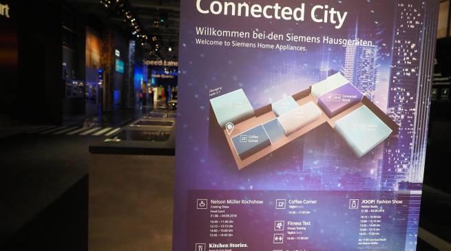 """Mit """"Connected City"""" inszeniert Siemens in Halle 1 eine anregende Lebenswelt voller Möglichkeiten."""
