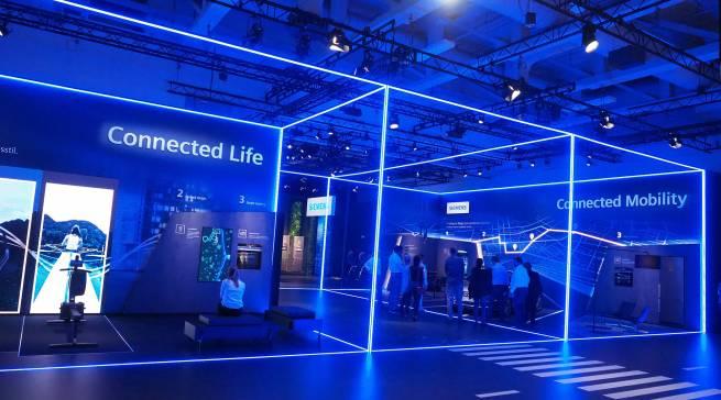 Am Siemens Stand erleben, wie intelligente Lösungen die Hausarbeit neu definieren und den Alltag bereichern.