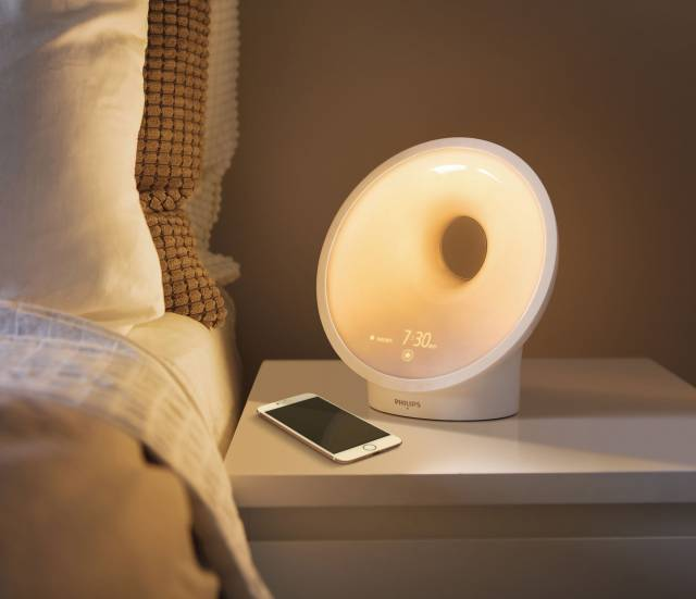 Philips Lichtlampe Somneo Sleep and Wake-up Light mit SleepMapper.