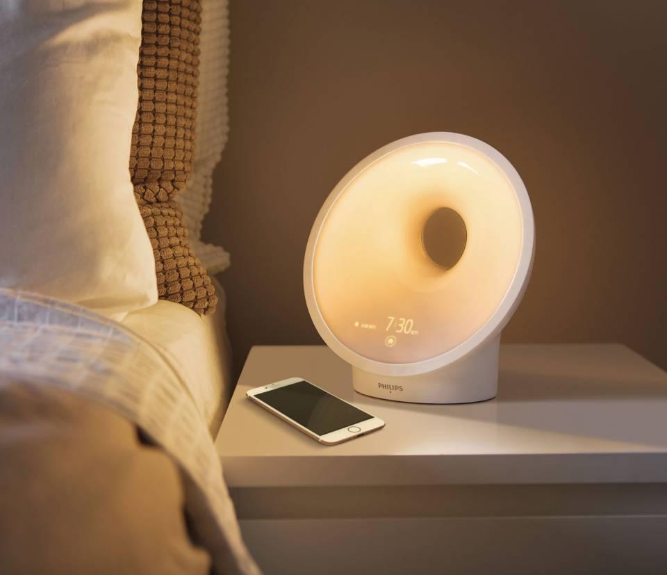 Philips Lichtlampe Somneo Sleep and Wake-up Light mit SleepMapper.