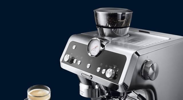 De'Longhi Espressomaschine La Specialista mit SmartTamping Station.