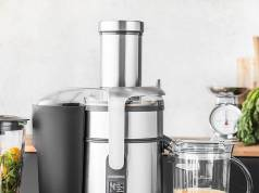 Gastroback Entsafter Design Multi Juicer Digital mit Saftbox.