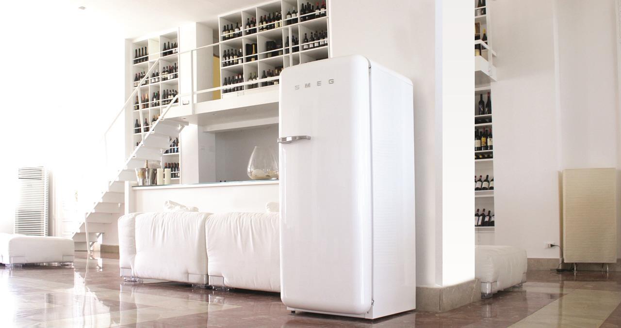 Smeg Kühlschrank Gewicht : Smeg: die kult kühlschränke mit neuen inneren werten
