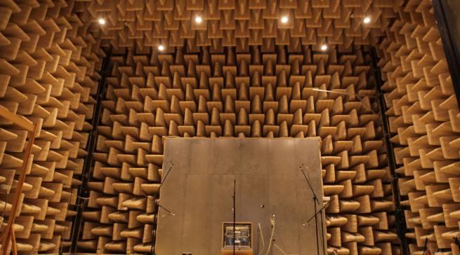 Im Akustiklabor wurde die Lautstärke der Spülmaschinen geprüft.