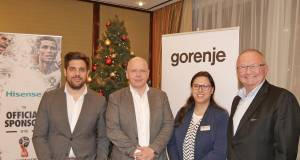 Vorweihnachtlicher Round-Table in Düsseldorf mit (v.l.): Julian Lietzau (Leiter Marketing und PR Gorenje), Uwe Paul (Commercial Director Hisense Germany), Claudia Rehm (Marketing- & PR-Managerin Gorenje) und Hans Wienands (Senior Vice President Hisense Germany).