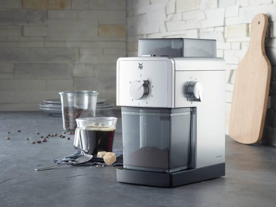 """Ob French Press oder Filterkaffee: für das Mahlen von Kaffeebohnen bietet die Stelio Kaffeemühle Edition von WMF das ideale """"Werkzeug""""."""