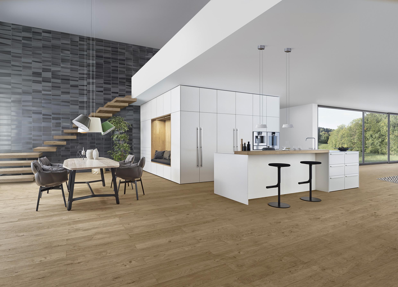 Alles fließt: Die modernen Küchen sind offen und ohne Mauern …