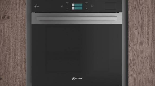 Von Verbrauchern ausgezeichnet: der neue Bauknecht Backofen mit Total Steam-Technologie.