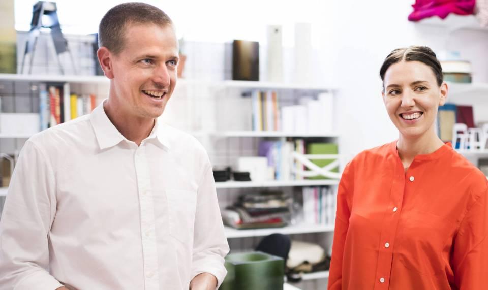 Joel Booy, australischer Designer, der zusammen mit seiner Frau Kate (Studio Truly Truly)