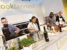 Kochshow mit Nelson Müller und Sarah Lombardi, Moderation Anne Rothäuser, Cooktainment-Bühne, Passage 4/5