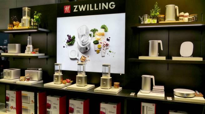 """Neben Wasserkochern und Toastern sind vor allem die Blender mit ihren Klingen aus Solingen das Herzstück der """"Enfinigy""""-Serie."""