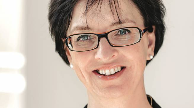 Die gebürtige Biberacherin Karin Sonnenmoser begann ihre Karriere 1995 bei Volkswagen.