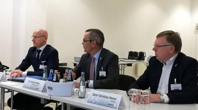 Der neu formierte Vorstand stand der Fachpresse Rede und Antwort (v.li.) Frank Harder, Dr. Stefan Müller und Gerd-Christian Hesse.