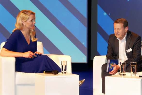 Euronics-Newcomer und neuer Chief Customer Officer Thomas Jacobs im Interview mit Judith Rakers.