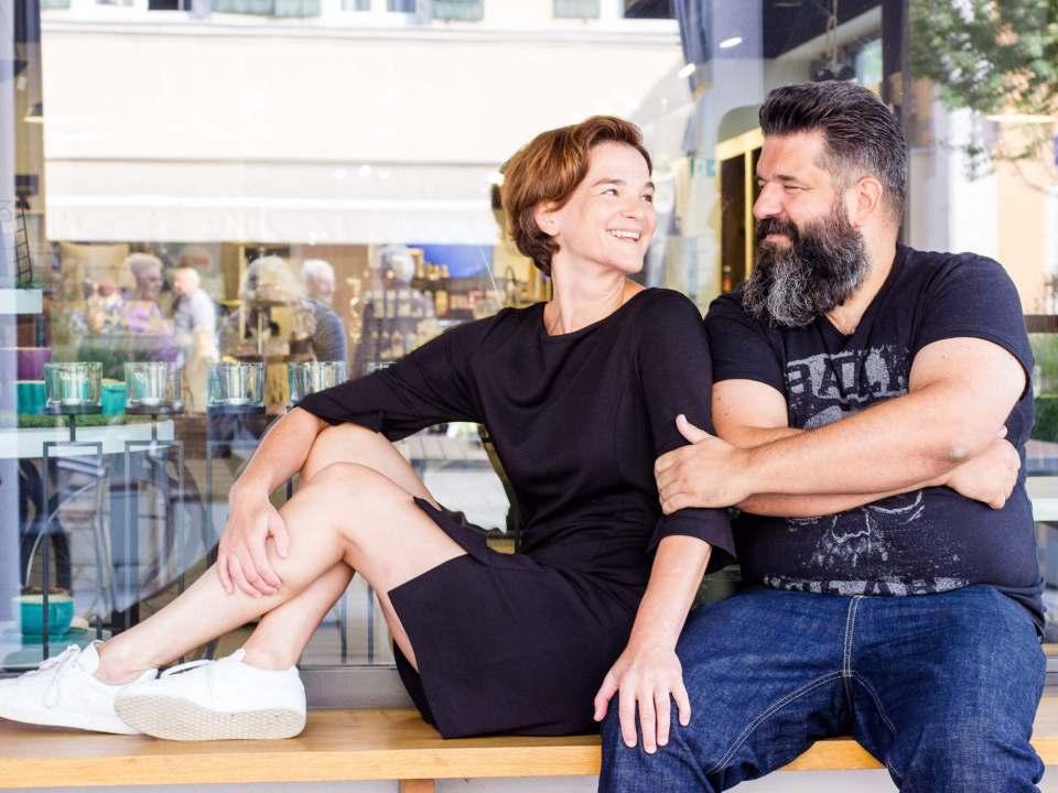 Ihr Ladenkonzept sorgt für Aufsehen: Dr. Kerstin Schulte-Eckel und Stefan Denzlinger.