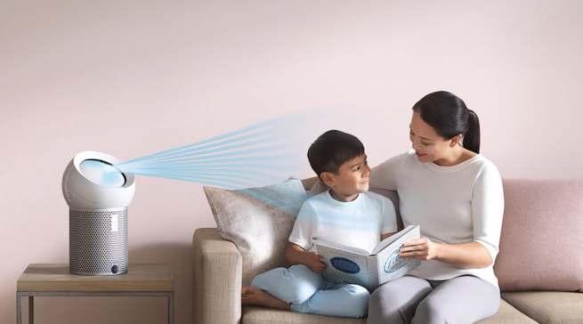 Der Dyson Pure Cool Me Luftreiniger schafft eine saubere Umgbung zu Hause.
