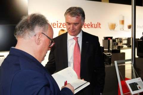"""""""Die HEPT ist branchenweit einzigartig und bietet einen absoluten Mehrwert für die Zusammenarbeit mit unseren Händlern"""", Horst Nikolaus, Geschäftsführer Jura Elektrogeräte Vertriebs-GmbH."""
