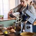 Macht auch nach Ostern in der Küche eine bella figura: Küchenmaschine Chef XL Titanium von Kenwood.